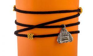 Porta-velas em copo de vidro fosco com pingente de Buda – três cores